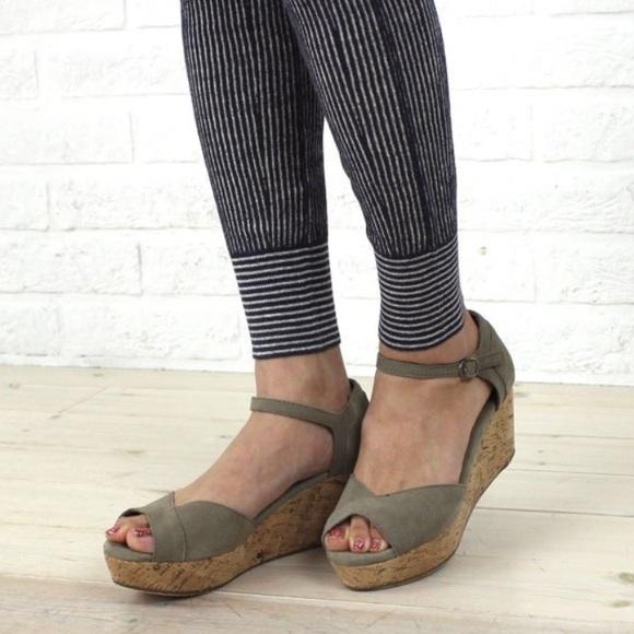 Toms Shoes | Toms Suede Platform Wedge